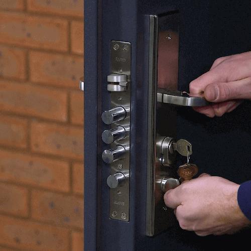 bezpecnostni dvere detail1